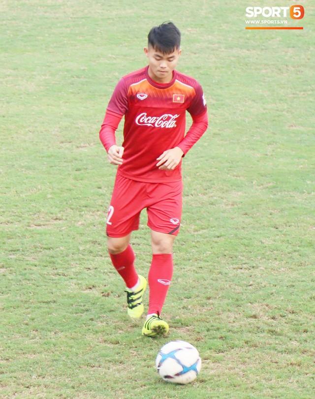 2 ngày trước khi thầy Park chốt danh sách, Đình Trọng vẫn không thể tập luyện - Ảnh 3.