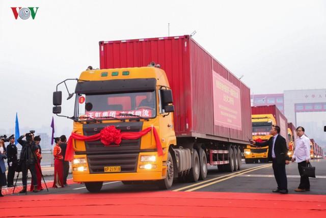 Chính thức thông quan cầu Bắc Luân II nối Việt Nam - Trung Quốc - Ảnh 7.