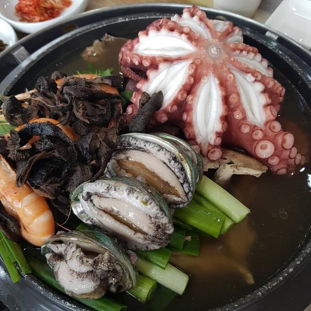 Triết lý bên nồi gà hầm của người Hàn: Hạnh phúc đơn giản chỉ là một món ngon - Ảnh 7.