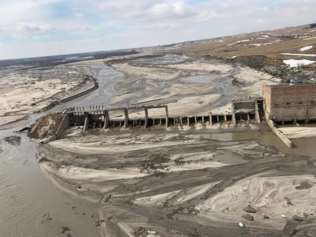 Lũ lụt lịch sử ở Mỹ khiến 74 thành phố phải ban bố tình trạng khẩn cấp - Ảnh 7.