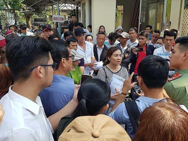 Quảng Nam trấn an dân vụ 1.000 người đòi giấy đỏ - Ảnh 1.