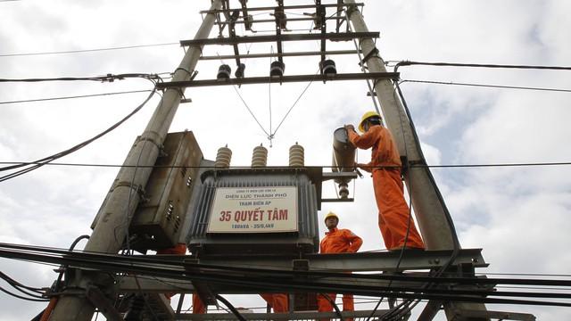 Doanh nghiệp đội chi phí trăm tỷ đồng do giá điện tăng bất ngờ - Ảnh 1.