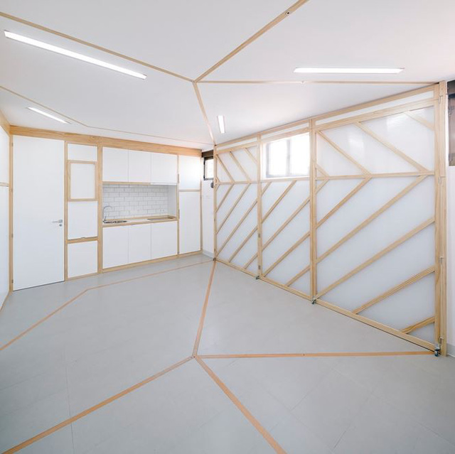Nhà nhỏ bỗng rộng thênh thang nhờ thiết kế thông minh - Ảnh 11.