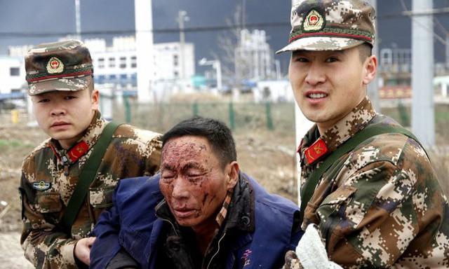 Hiện trường nổ nhà máy hóa chất Trung Quốc khiến gần 700 người thương vong - Ảnh 4.