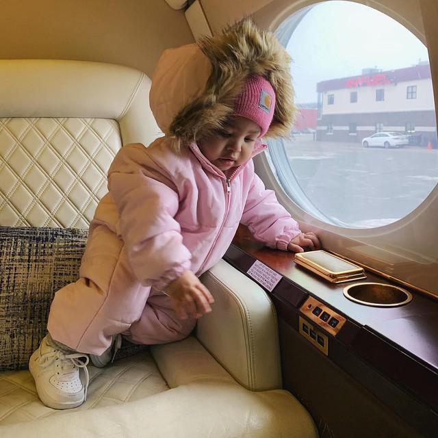 Loạt sở thích du lịch đúng chuẩn quăng tiền ra cửa sổ của Kylie Jenner - nữ tỷ phú tự thân trẻ nhất thế giới - Ảnh 5.