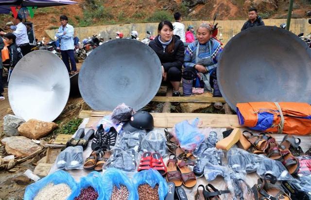 Chợ phiên Cán Cấu - nét độc đáo vùng cao Tây Bắc - Ảnh 2.