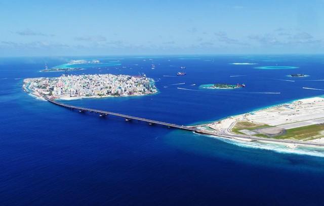 Chìm trong 'núi' nợ vì tham gia vào Sáng kiến Vành đai và Con đường, Maldives loay hoay tìm cách thoát khỏi bi kịch bị Trung Quốc 'bòn rút - Ảnh 3.
