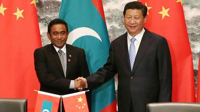 Chìm trong 'núi' nợ vì tham gia vào Sáng kiến Vành đai và Con đường, Maldives loay hoay tìm cách thoát khỏi bi kịch bị Trung Quốc 'bòn rút - Ảnh 1.