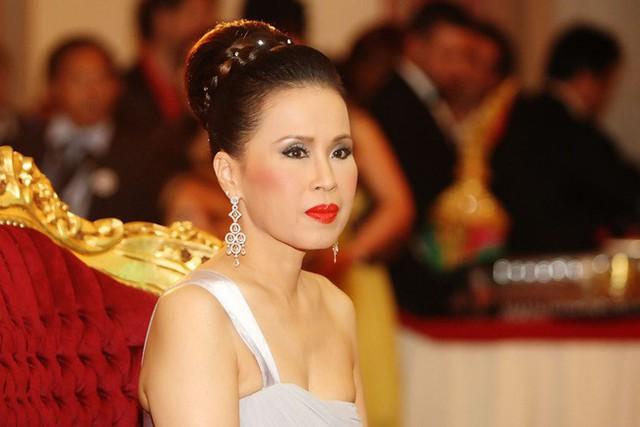 3 nàng công chúa nổi tiếng Thái Lan: Nhan sắc ở mức thường thường bậc trung nhưng ai cũng phải kiêng nể, đến cánh đàn ông cũng bái phục - Ảnh 2.