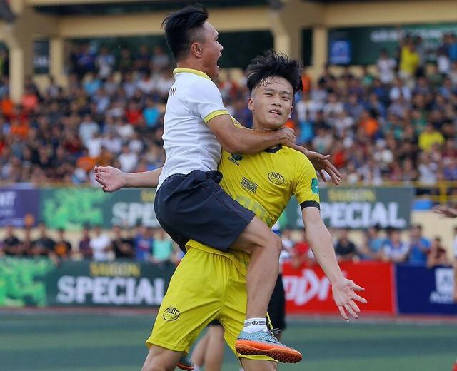 Chân dung Nguyễn Hoàng Đức: Anh bộ đội ghi bàn giúp U23 Việt Nam đè bẹp Thái Lan - Ảnh 19.
