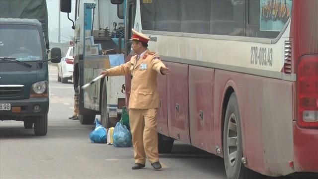 Vụ tai nạn 7 người chết: Cố gắng báo hiệu nhưng tài xế vẫn lao tới - Ảnh 9.