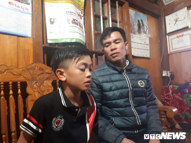 Cậu bé đạp xe hơn 100 km từ Sơn La xuống Hà Nội thăm em: Cháu không thấy mệt, chỉ muốn nhanh chóng gặp em trai - Ảnh 2.
