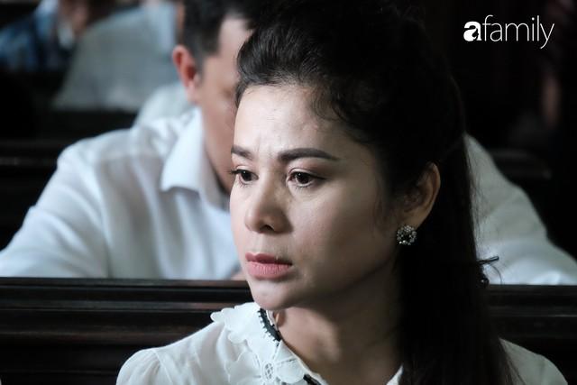 Sự im lặng trong nước mắt của bà Thảo và câu nói duy nhất của ông Vũ: Người 60 liệu có được hơn kẻ 40 - Ảnh 9.