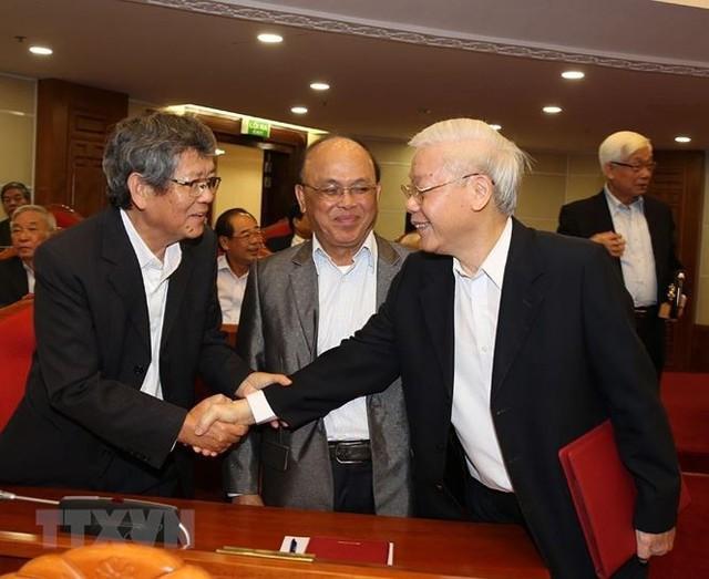 Hình ảnh Ban Bí thư TW Đảng gặp mặt cán bộ lãnh đạo nghỉ hưu - Ảnh 2.