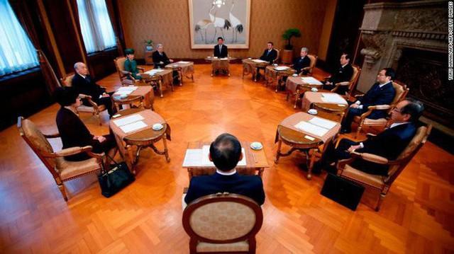 3 ngày nữa, Nhật Bản chính thức công bố tên niên hiệu mới, đánh dấu bước ngoặt lịch sử, một kỷ nguyên mới sắp bắt đầu - Ảnh 2.