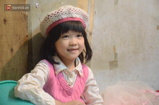 Gặp bé gái 6 tuổi phối quần áo cũ cực chất ở Hà Nội: Nhút nhát, đáng yêu và ước mơ làm người mẫu - Ảnh 13.