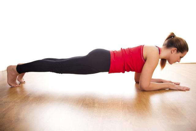 Phụ nữ ở độ tuổi 40 nhất định phải thực hiện các bài tập này mỗi ngày: Chống lão hóa hiệu quả, cho vóc dáng chuẩn như thời thanh xuân - Ảnh 3.