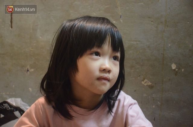 Gặp bé gái 6 tuổi phối quần áo cũ cực chất ở Hà Nội: Nhút nhát, đáng yêu và ước mơ làm người mẫu - Ảnh 4.