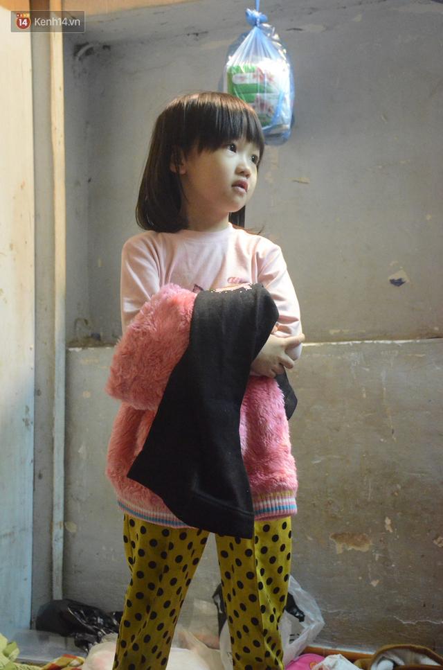 Gặp bé gái 6 tuổi phối quần áo cũ cực chất ở Hà Nội: Nhút nhát, đáng yêu và ước mơ làm người mẫu - Ảnh 8.