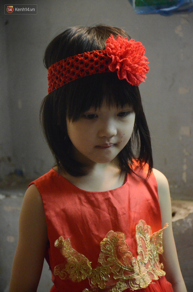 Gặp bé gái 6 tuổi phối quần áo cũ cực chất ở Hà Nội: Nhút nhát, đáng yêu và ước mơ làm người mẫu - Ảnh 9.