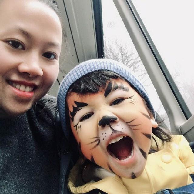 Cha mẹ không còn phải lo lắng việc con mình xem phải clip bẩn nữa nếu như biết cách dạy trẻ sử dụng mạng như người mẹ Việt này - Ảnh 2.