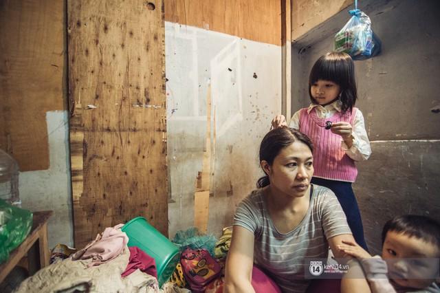 Chùm ảnh: Những khoảnh khắc đốn tim của em bé nghèo có gu ăn mặc như fashionista ở Hà Nội - Ảnh 7.