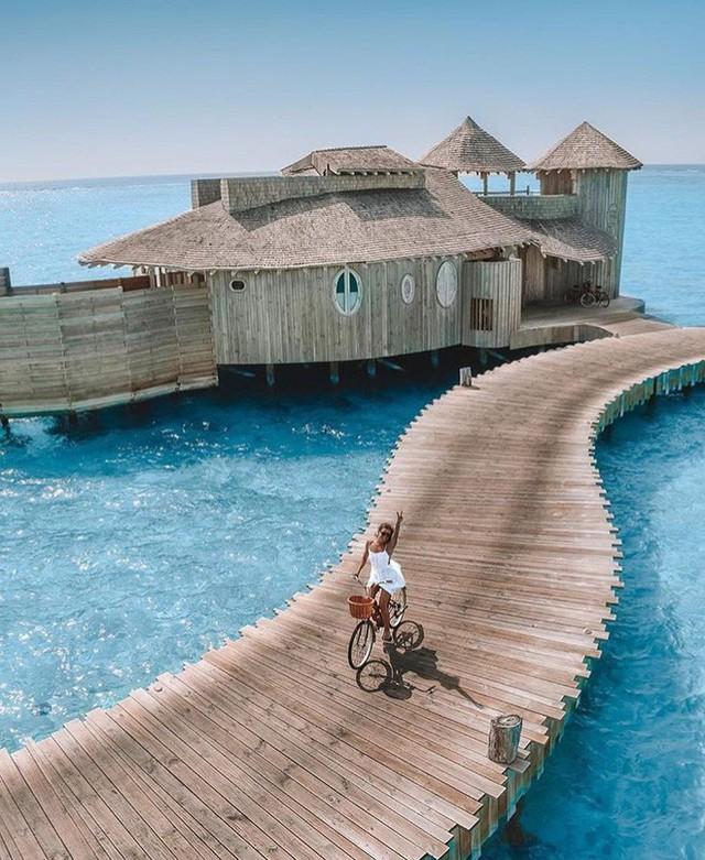 Choáng với khu nghỉ dưỡng sang chảnh bậc nhất Maldives, chỉ dành cho giới giàu đến siêu giàu - Ảnh 14.