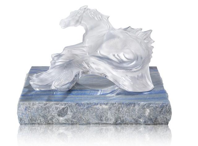 Bộ sưu tập lấy cảm hứng từ đại dương chinh phục giới thượng lưu và người yêu nghệ thuật chế tác pha lê trên toàn thế giới  - Ảnh 3.