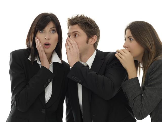 4 dấu hiệu điển hình của một người đồng nghiệp tồi: Đáng tiếc chúng ta thường vô tình mắc phải mà không biết rồi bị ghét cay đắng sau lưng  - Ảnh 1.