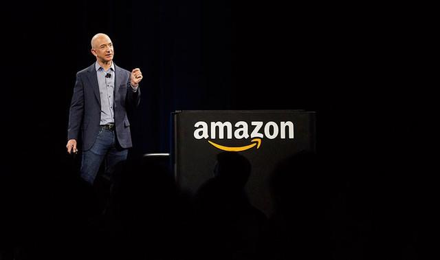 Hãy quên câu chuyện lãi 11,2 tỷ USD không phải đóng thuế đi, làm thế nào Amazon duy trì được đế chế khổng lồ dù liên tục báo lỗ? - Ảnh 1.