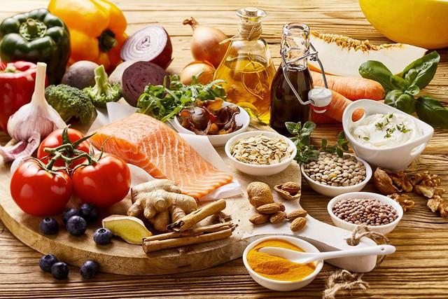 Chỉ nhờ cùng một chế độ ăn thần kỳ, Tây Ban Nha và Italia thay phiên nhau trở thành quốc gia khỏe nhất thế giới - Ảnh 1.