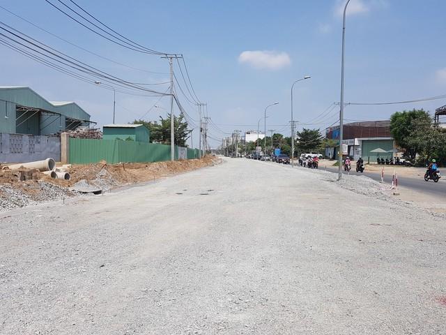 TP HCM: Giá đất mặt đường mới quận 9 tăng, có nơi 180 triệu đồng/m2 - Ảnh 3.