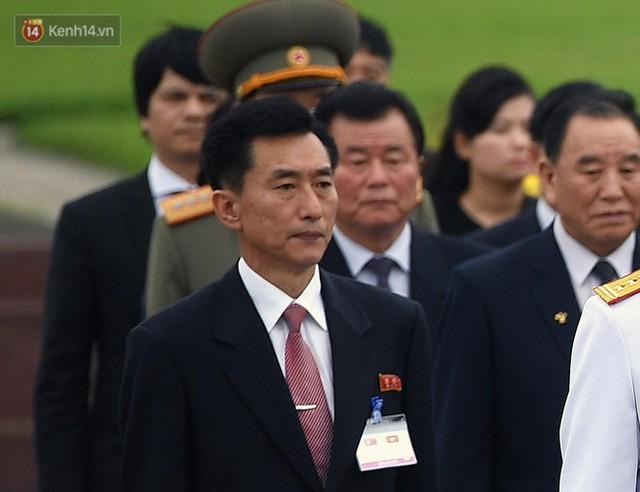 Chuyện ít biết về phiên dịch viên Triều Tiên phanh gấp cạnh Chủ tịch Kim Jong-un: Cựu sinh viên khoa tiếng Việt trường ĐH Tổng hợp Hà Nội - Ảnh 10.