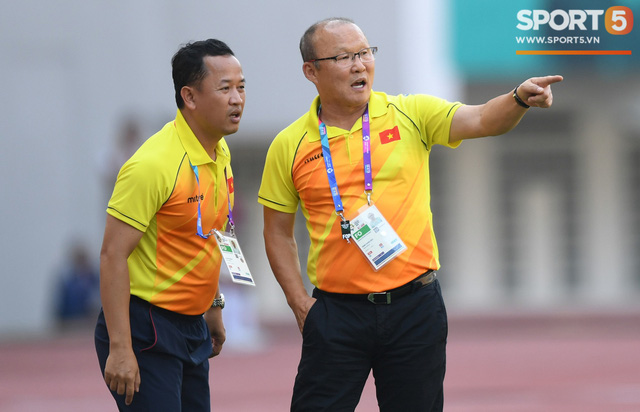 Trợ lý ngôn ngữ Lê Huy Khoa trở lại, U23 Việt Nam đón một loạt người mới ở Ban huấn luyện - Ảnh 1.