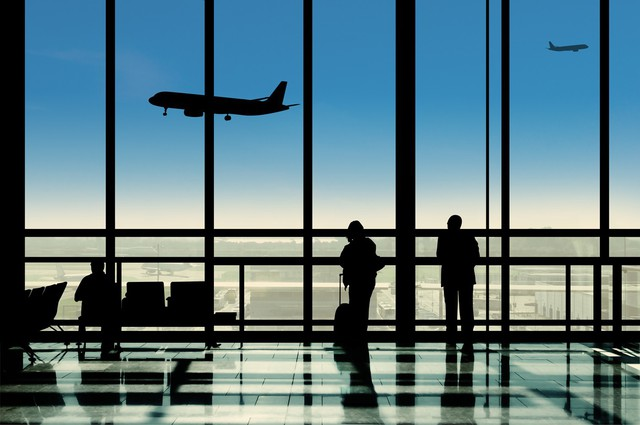8 mánh khóe các sân bay đang dùng để điều khiển chúng ta một cách bí mật - Ảnh 3.