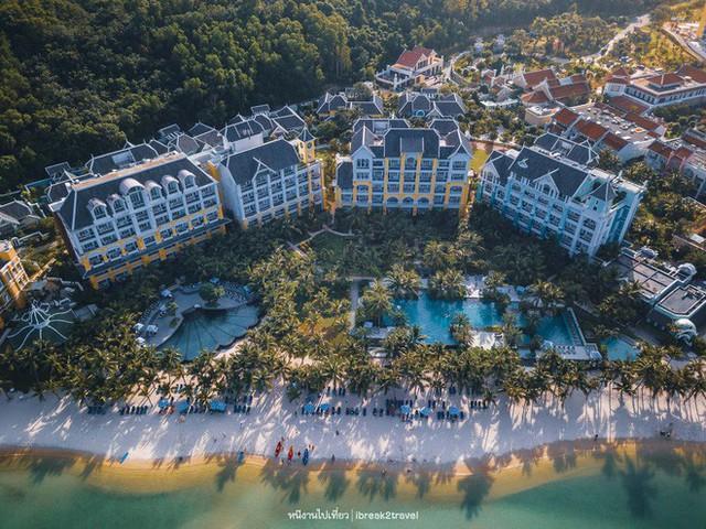 Cận cảnh resort sang chảnh ở Việt Nam được tỷ phú Ấn Độ tổ chức tiệc cưới xa hoa đáng mong đợi nhất 2019 - Ảnh 2.
