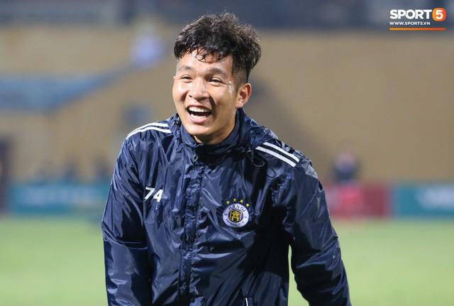 Trước giờ lên U23 Việt Nam, dàn sao Hà Nội FC và Viettel FC đã quyết chiến máu lửa dưới sự chứng kiến của thầy Park - Ảnh 11.