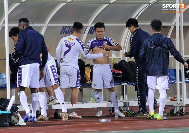 Trước giờ lên U23 Việt Nam, dàn sao Hà Nội FC và Viettel FC đã quyết chiến máu lửa dưới sự chứng kiến của thầy Park - Ảnh 13.