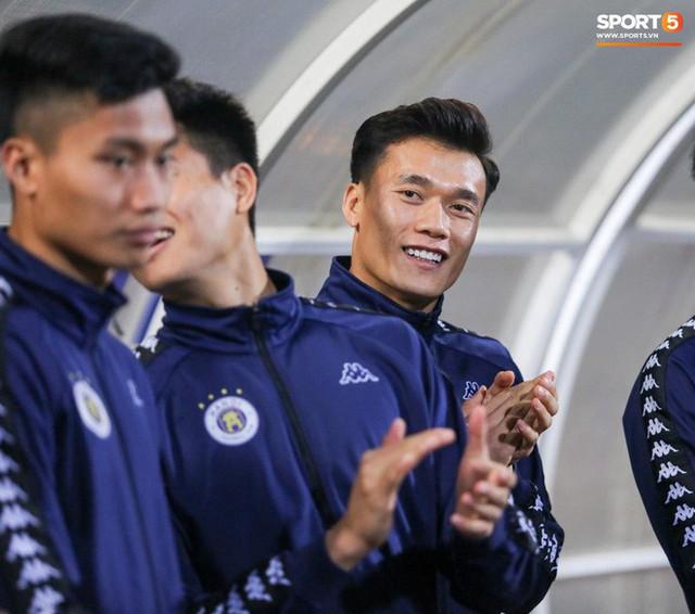 Trước giờ lên U23 Việt Nam, dàn sao Hà Nội FC và Viettel FC đã quyết chiến máu lửa dưới sự chứng kiến của thầy Park - Ảnh 14.