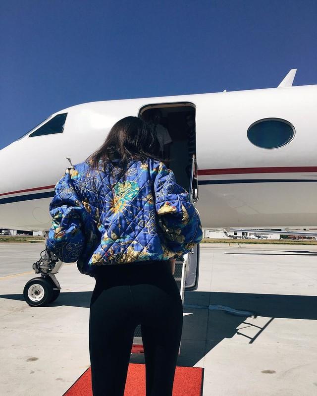 Cuộc sống sang chảnh của Kylie Jenner, tỷ phú tự thân trẻ nhất thế giới - Ảnh 7.