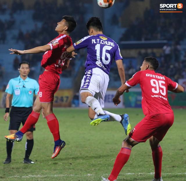 Trước giờ lên U23 Việt Nam, dàn sao Hà Nội FC và Viettel FC đã quyết chiến máu lửa dưới sự chứng kiến của thầy Park - Ảnh 9.