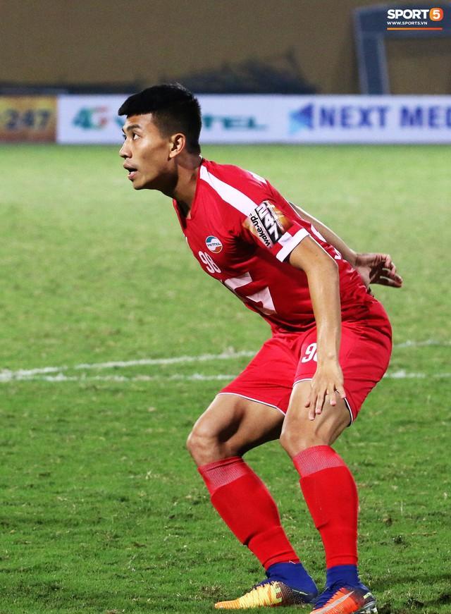 Trước giờ lên U23 Việt Nam, dàn sao Hà Nội FC và Viettel FC đã quyết chiến máu lửa dưới sự chứng kiến của thầy Park - Ảnh 10.