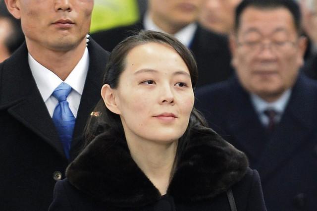 Người phụ nữ bí ẩn luôn theo sát chủ tịch Kim Jong-un: Giản dị, kín tiếng nhưng được tin tưởng hơn bất kỳ ai đứng cạnh nhà lãnh đạo của Triều Tiên - Ảnh 2.