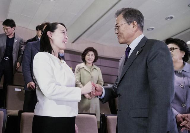 Người phụ nữ bí ẩn luôn theo sát chủ tịch Kim Jong-un: Giản dị, kín tiếng nhưng được tin tưởng hơn bất kỳ ai đứng cạnh nhà lãnh đạo của Triều Tiên - Ảnh 8.