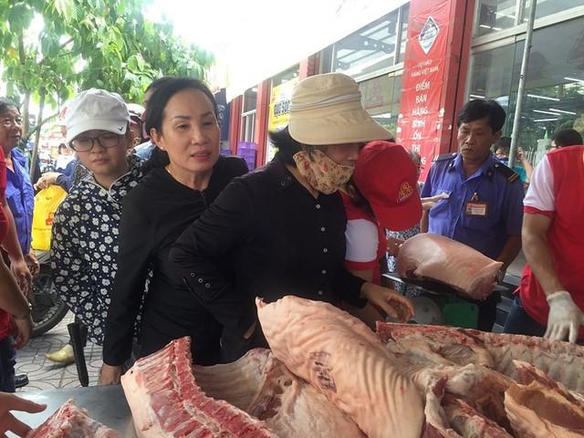 Mỗi năm dân TP.HCM chi hơn 18.000 tỉ đồng mua thịt heo - Ảnh 1.