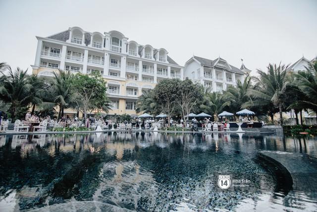 """Ngày thứ 2 tiệc cưới của cặp đôi tỷ phú Ấn Độ tại Phú Quốc: Hàng trăm bàn tiệc ngồi bên bãi biển, khách mời diện đồ """"thổ dân"""" cá tính - Ảnh 1."""
