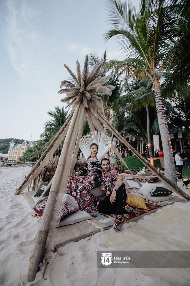 """Ngày thứ 2 tiệc cưới của cặp đôi tỷ phú Ấn Độ tại Phú Quốc: Hàng trăm bàn tiệc ngồi bên bãi biển, khách mời diện đồ """"thổ dân"""" cá tính - Ảnh 15."""