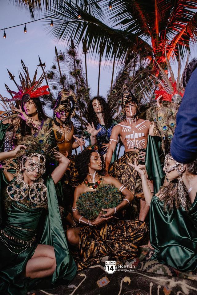 """Ngày thứ 2 tiệc cưới của cặp đôi tỷ phú Ấn Độ tại Phú Quốc: Hàng trăm bàn tiệc ngồi bên bãi biển, khách mời diện đồ """"thổ dân"""" cá tính - Ảnh 19."""