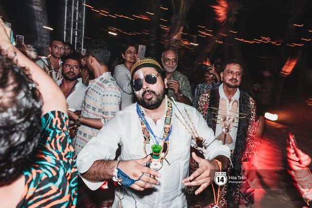 """Ngày thứ 2 tiệc cưới của cặp đôi tỷ phú Ấn Độ tại Phú Quốc: Hàng trăm bàn tiệc ngồi bên bãi biển, khách mời diện đồ """"thổ dân"""" cá tính - Ảnh 23."""