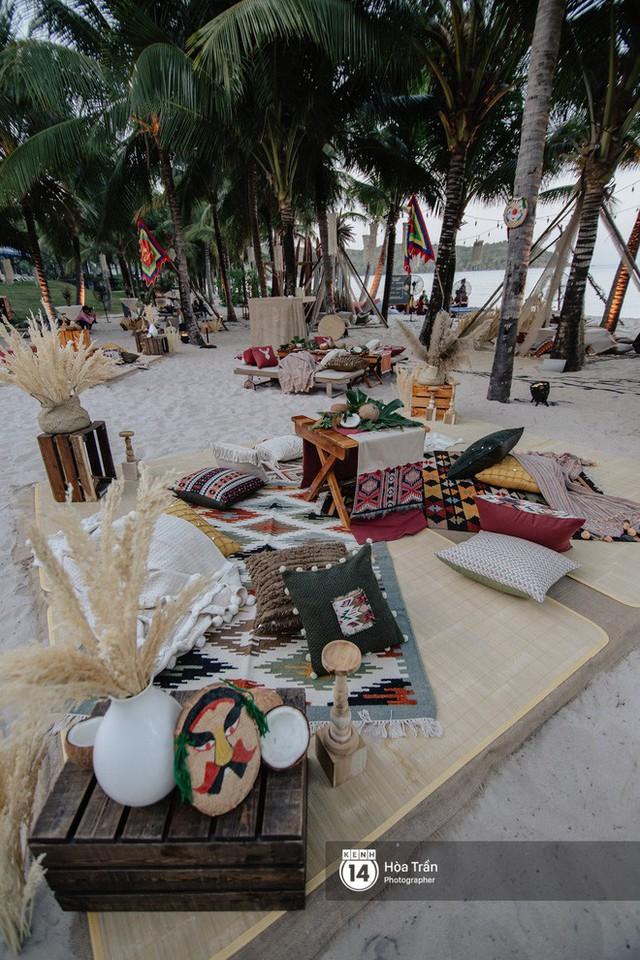 """Ngày thứ 2 tiệc cưới của cặp đôi tỷ phú Ấn Độ tại Phú Quốc: Hàng trăm bàn tiệc ngồi bên bãi biển, khách mời diện đồ """"thổ dân"""" cá tính - Ảnh 10."""